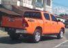 Mobil Hilux punya KTM warna orange keren