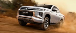 New Mitsubishi Triton L200 Facelift 2019 ngebut di pasir