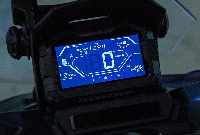 Kelebihan Honda ADV150 Panel meter digital